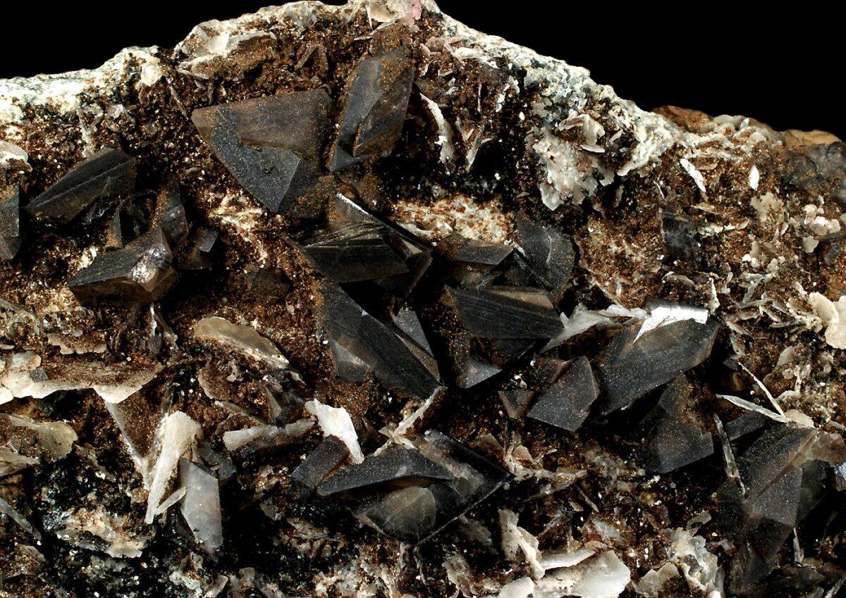 Titanite from Puiva Mine, Russia