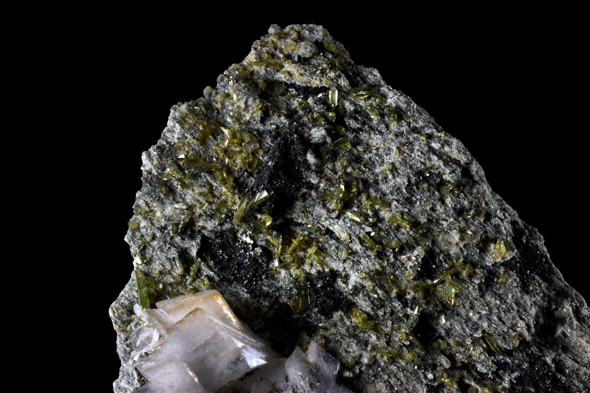 Titanite and Adularia from Alchuri, Pakistan